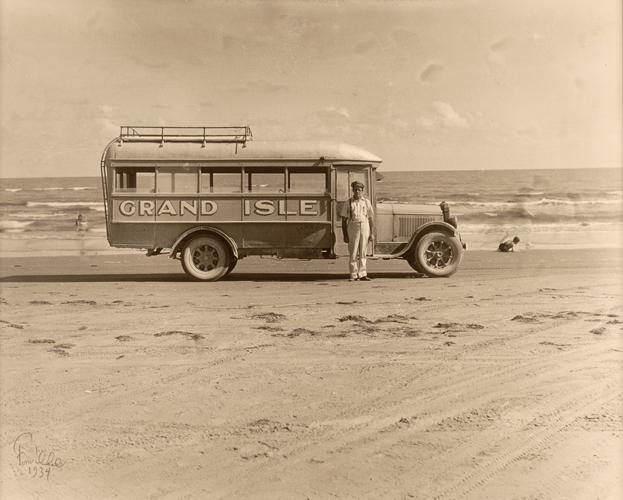 Grand Isle Bus
